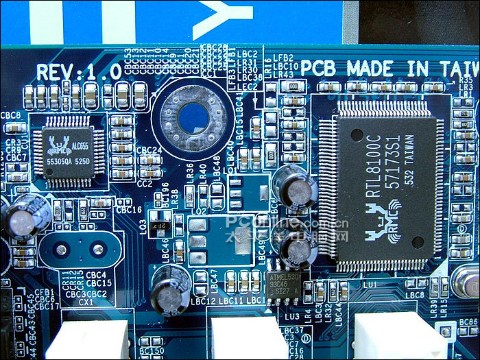 技嘉GA-8VM800PMD-775
